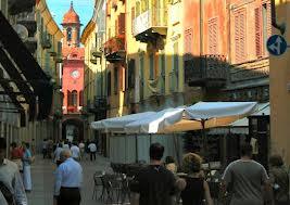 Alba-market3